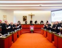 Więcej o: WRAŻLIWOŚĆ I ODPOWIEDZIALNOŚĆ Słowo biskupów do wiernych